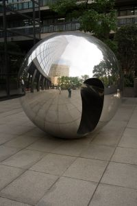 Chrome_ball_in_Ginza