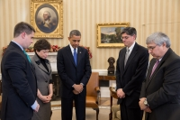 Minute_of_silence_at_White_House_for_Sandy_Hook_school_shooting