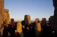Stonehenge_winter_solstice_2012_32