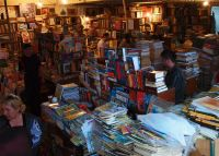Subterrranean_bookshops_28521178244229