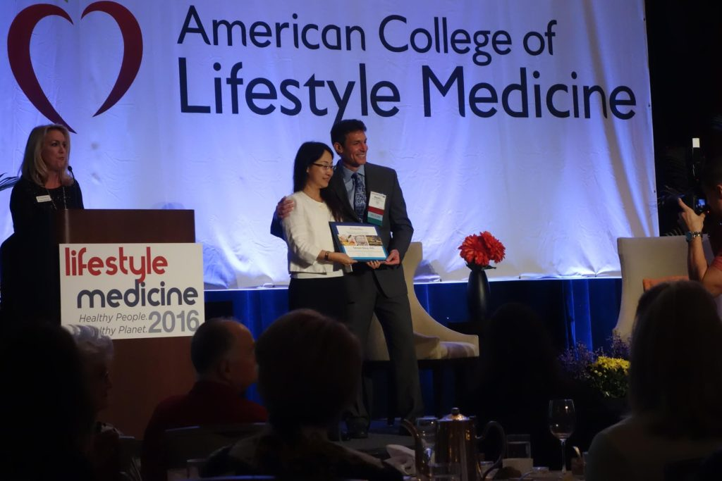 Tamami LM 2016 award 1024x683 - Dr. Tamami Shirai receives award for her study in lifestyle medicine